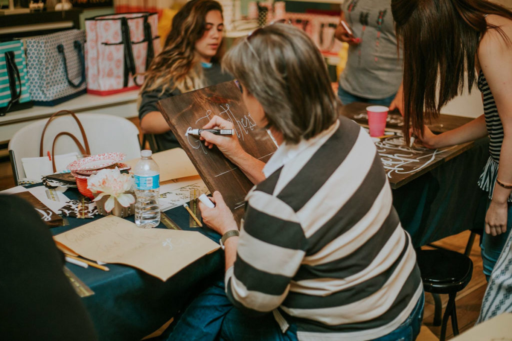 Hand Lettering Class by Nicole Lind at The Cozy Castle